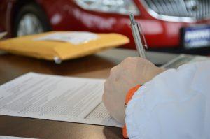 Die Voraussetzungen für einen Autokredit müssen vor dem Vertragsabschluss geprüft werden